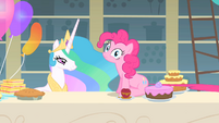 Pinkie Pie's tail is being pulled S1E22