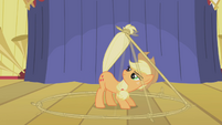 Applejack&#39;s lasso trick S1E6