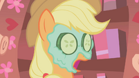 Applejack what in the world S01E08