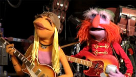 TheMuppets-Behind-The-Scenes-Interviews-Janice&amp;Floyd