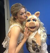 LEANN-RIMES-MISS-PIGGY