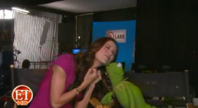 Kermit-ET-Kiss