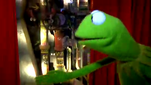 LateNightWithJimmyFallon-Kermit AtTheMuppetPipes-(2011-11-16)