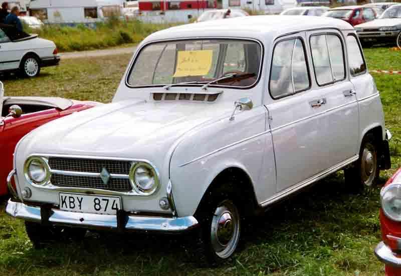 Renault 4: 7 фото.