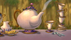 Mrs. Potts-cameo-(Tarzan)