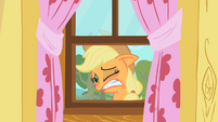 Applejack&#39;s reaction to the CMC&#39;s practice S1E18