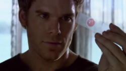 1x01 Dexter 35