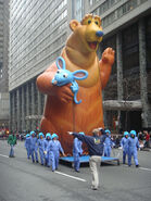 Beartutterballoon-Philly