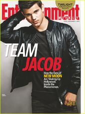 Taylor-lautner-covers-entertainment-weekly-team-jacob