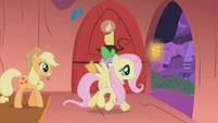 Fluttershy taking her ticket S01E03