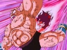 Dragon ball z episodio 1  (saga saiyajin completa) que lo disfruten 220px-Goku_golpeando_a_nappa