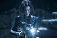 Kate-beckinsale-selene-underworld-evolution-2