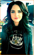 Liz-Gillies-Victorious-Jewelry