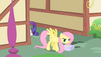 Fluttershy picks up the cake S1E25