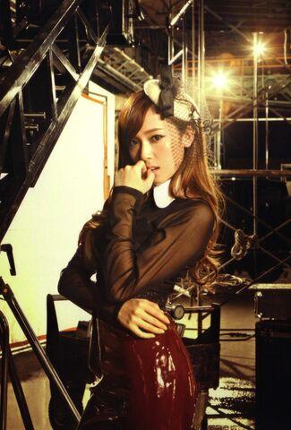 {SNSD/ Girls' Generation} 325px-Jessica16