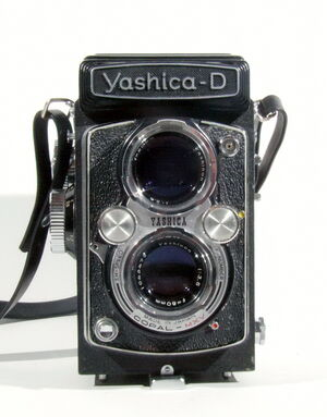 Yashica-D 01