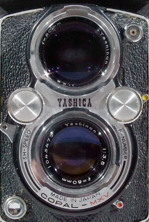 Yashica-D 02
