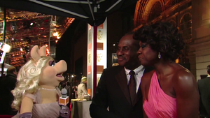 BAFTA-Awards-2012-MissPiggy&amp;ViolaDavis