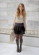 Taylor Swift D&#39;lite Sparkling+Boots 5