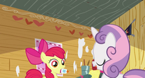 Sweetie Belle talking to Apple Bloom S2E17
