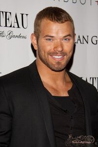 TodoTwilightSaga - Kellan Lutz Photocall 004
