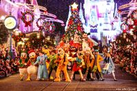 Mickey&#39;s christmastime parade