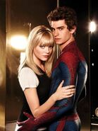 Gwen and Peter Spidey 01