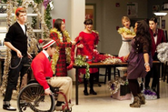 Glee-extraordinary-merry-christmas-480x31923
