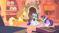 Applejack doesn&#39;t like the mudmasks S1E08