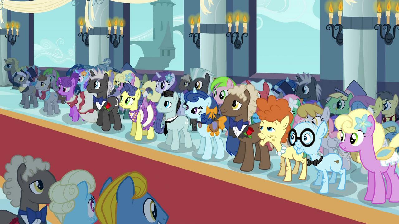 1280px-Pony_crowd_wedding_S2E26.png
