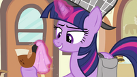 Twilight cleaning pipe&#39;s mouthpiece S2E24
