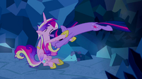 Twilight pouncing at Princess Cadance S2E26