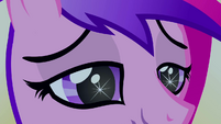 Eerie sparkle in Princess Cadance's eyes S2E26