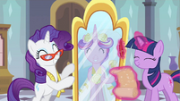 Rarity &amp; Princess Cadance yay! S2E26
