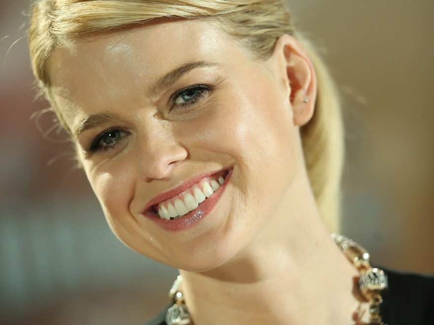 Alice Eve Alice Eve Measurements