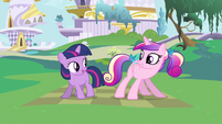 Princess Cadance & young Twilight little shake S2E25