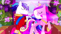Shining Armor and Princess Cadance use spell of love S2E26