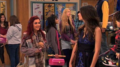 500px-Victorious-2x02-Beck-Falls-For-Tor