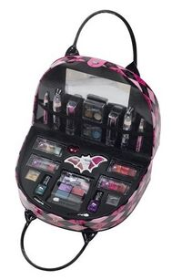 Drop Dead Gorgeous Make Up Bag 002