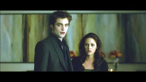 The Twilight Saga New Moon (2009) - Clip The paper cut
