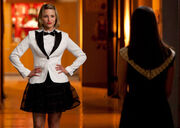 Glee-quinn-hold-onto-sixteen