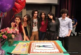 Victoria Justice On Set Of Victorious Surprise Birthday party-12-560x378
