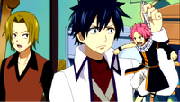 Gray holding tiny Natsu