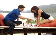 Bella&amp;edwardplay chess