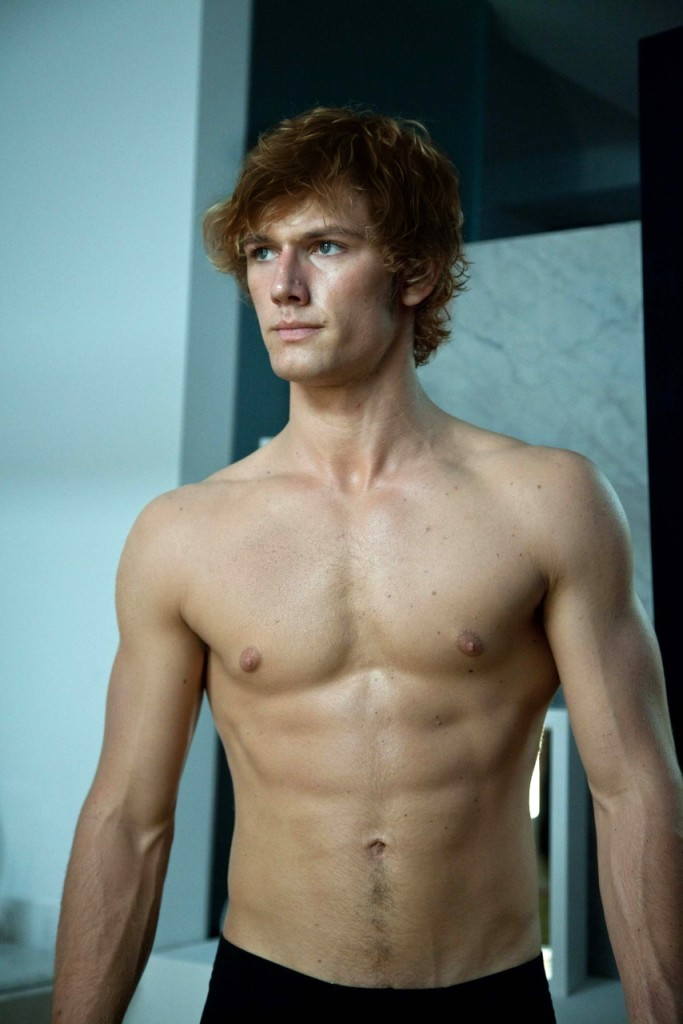 Alex Pettyfer as Finnick!!!