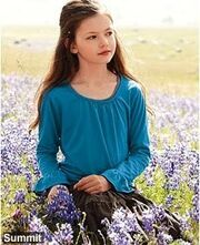 Renesmee-Breaking-Dawn-Part-2-edward-and-bella-18667694-230-282