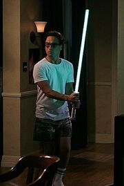 The-Lightsaber-the-big-bang-theory-8430412-288-431