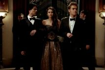 Elena-stefan-damon-vampire-diaries-1-