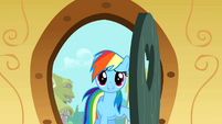 Rainbow Dash entering S01E25