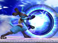 Lucario usando aura esfera en ssbb